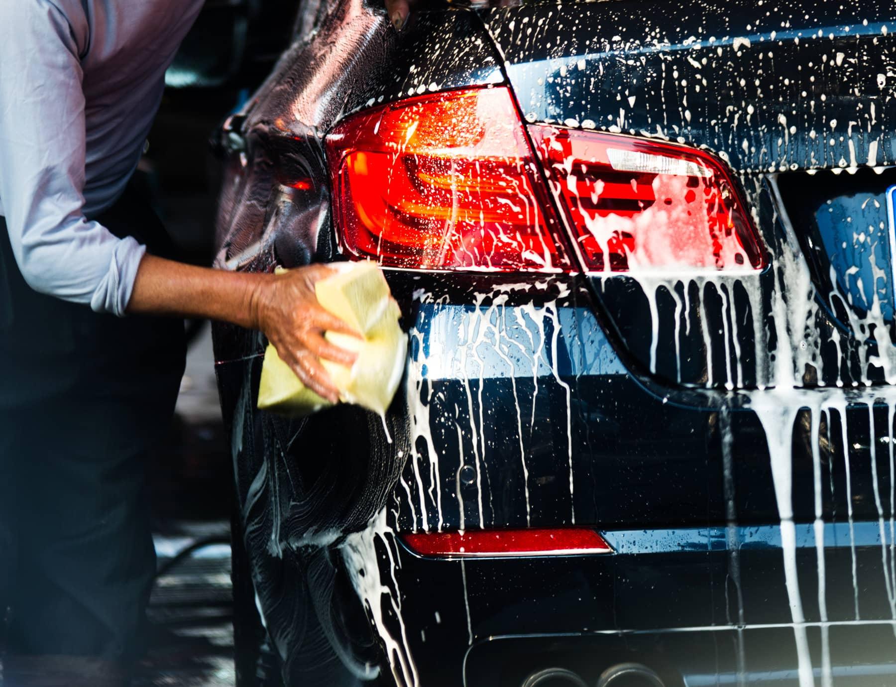 Uitgebreide poetsbehandeling voor uw auto | Zetten - Andelst - Herveld - Betuwe
